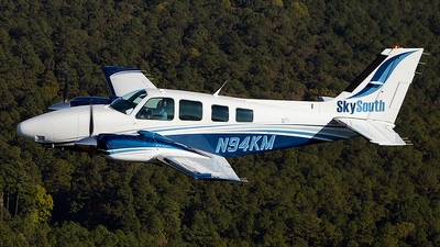A picture of N94KM - Beech 58 Baron - [TH1816] - © Jay Selman - airlinersgallery.com