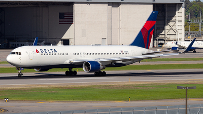 A picture of N175DN - Boeing 767332(ER) - Delta Air Lines - © xuxinyi1000