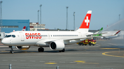 A picture of HBJCA - Airbus A220300 - Swiss - © Hugo-Cristopher Saar