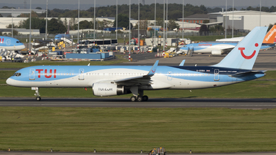 A picture of GOOBA - Boeing 75728A - TUI fly - © Dan Smith