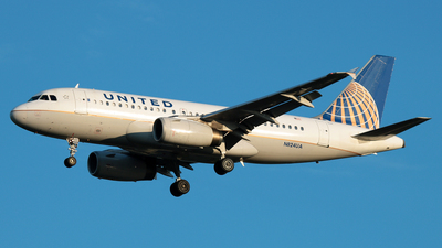 N824UA - Airbus A319-131 - United Airlines