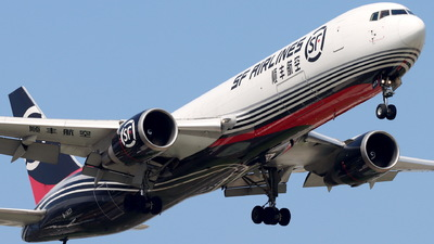 A picture of B1423 - Boeing 767338(ER)(BCF) - SF Airlines - © CHA CHA