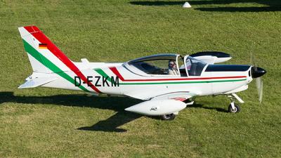 D-EZKM - SIAI-Marchetti SF260D - Private