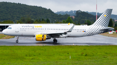 EC-LVO - Airbus A320-214 - Vueling Airlines