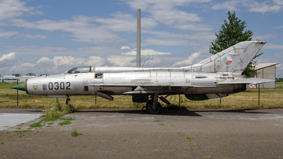 0302 - Mikoyan-Gurevich MiG-21PF Fishbed - Czechoslovakia - Air Force