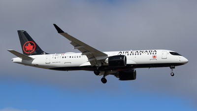 A picture of CGMZY - Airbus A220300 - Air Canada - © Michael Durning