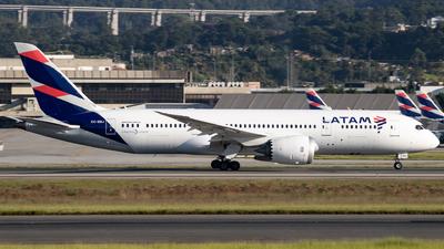 A picture of CCBBJ - Boeing 7878 Dreamliner - LATAM Airlines - © Felipe Oliveira - oliver_spotting