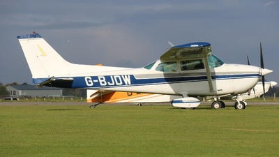 G-BJDW - Reims-Cessna F172M Skyhawk - Private