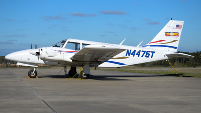 N4475T - Piper PA-34-200 Seneca - US Aviation Academy
