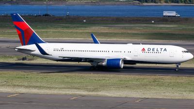 N394DL - Boeing 767-324(ER) - Delta Air Lines
