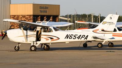 N654PA - Cessna 172S Skyhawk SP - Purdue Aviation
