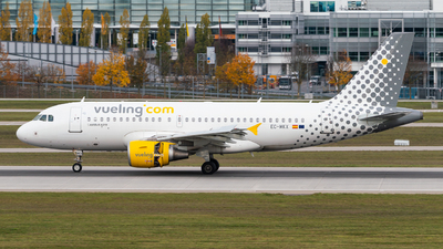 EC-MKX - Airbus A319-111 - Vueling