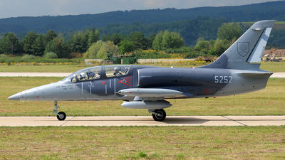 5252 - Aero L-39CM Albatros - Slovakia - Air Force