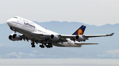 D-ABVY - Boeing 747-430 - Lufthansa