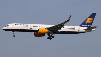 A picture of TFFIN - Boeing 757208 - Icelandair - © Jan-Eike Berger
