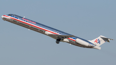 N982TW - McDonnell Douglas MD-83 - American Airlines