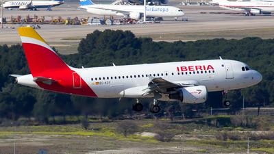 A picture of ECKOY - Airbus A319111 - Iberia - © Alejandro Gutierrez Martin