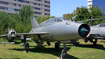 3910 - Mikoyan-Gurevich MiG-21US Mongol B - Romania - Air Force