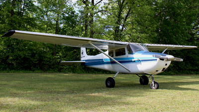 N8300B - Cessna 172 Skyhawk - Private