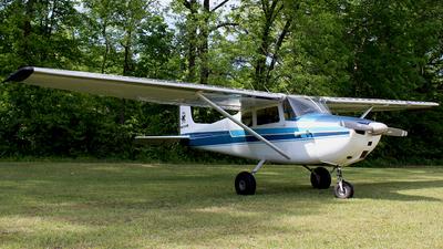 A picture of N8300B - Cessna 172 Skyhawk - [36100] - © Brady Brooks