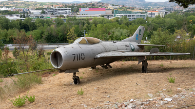 7110 - Mikoyan-Gurevich MiG-19S Farmer C - Pakistan - Air Force