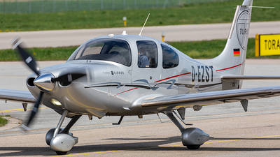D-EZST - Cirrus SR22T-GTS - Private