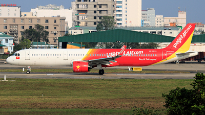 A picture of VNA693 - Airbus A321271N - VietJet Air - © photogiap