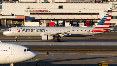 A picture of N112AN - Airbus A321231 - American Airlines - © Sotos