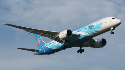 B-1242 - Boeing 787-9 Dreamliner - China Southern Airlines