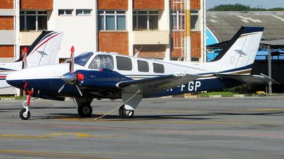 PR-FGP - Beechcraft G58 Baron - Private