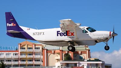 A picture of N721FX - Cessna 208B Grand Caravan - FedEx - © Max Hrusa