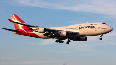 VH-OEG - Boeing 747-438ER - Qantas