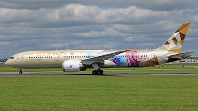 A picture of A6BLR - Boeing 7879 Dreamliner - Etihad Airways - © PAUL QUINN