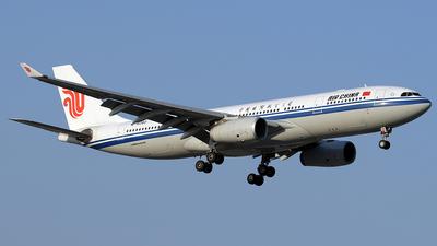 B-6080 - Airbus A330-243 - Air China