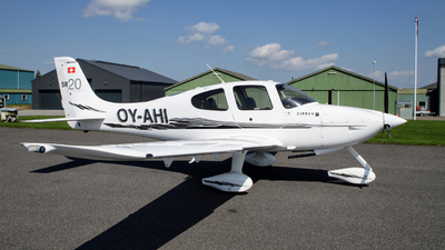 OY-AHI - Cirrus SR20-G3 - Private