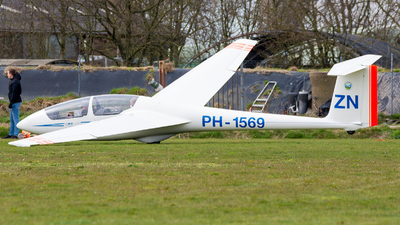 A picture of PH1569 - Alexander Schleicher ASK21 - [21376] - © Dutch