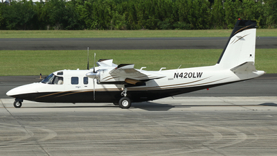 A picture of N420LW - Rockwell 690B - [11455] - © Carlos Vaz