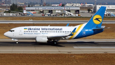 UR-GBC - Boeing 737-5L9 - Ukraine International Airlines