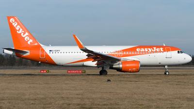 G-EZPY - Airbus A320-214 - easyJet