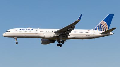 A picture of N590UA - Boeing 757222 - [28708] - © Luke Dogan