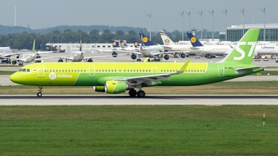 VP-BPO - Airbus A321-211 - S7 Airlines