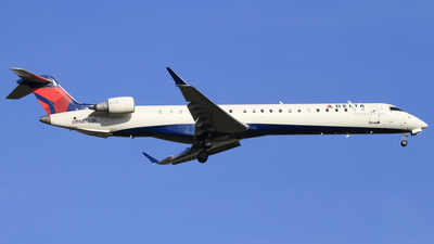 N813SK - Bombardier CRJ-900ER - Delta Connection (SkyWest Airlines)
