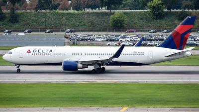 N169DZ - Boeing 767-332(ER) - Delta Air Lines