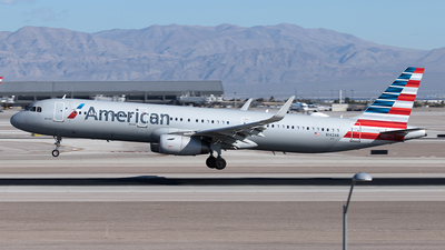 A picture of N142AN - Airbus A321231 - American Airlines - © Yixin Chen