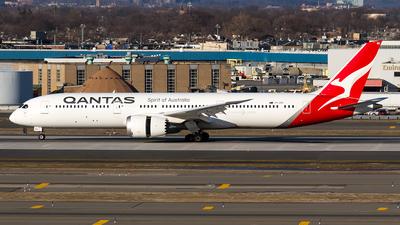 A picture of VHZNC - Boeing 7879 Dreamliner - Qantas - © Sotos