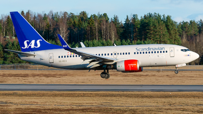 A picture of SEREX - Boeing 73776N - SAS - © Laszlo Fekete