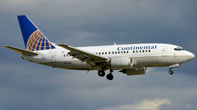 N17614 - Boeing 737-524 - Continental Airlines