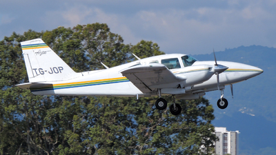 TG-JOP - Piper PA-23-250 Aztec E - Private