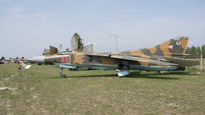 03 - Mikoyan-Gurevich MiG-23 Flogger - Hungary - Air Force