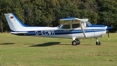 A picture of DECWR - Cessna F172M - [F17200951] - © JakkoFly